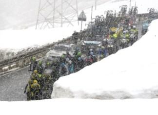 Stelvio stage in blizzard conditions