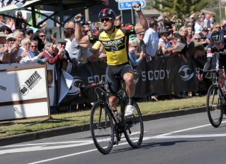 Scott Sunderland winner 2015 Melbourne to Warrnambool Cycling Classic